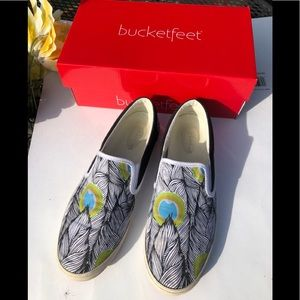 Bucket Feet